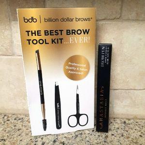 *SOLD* NIB Best In Brows Kit